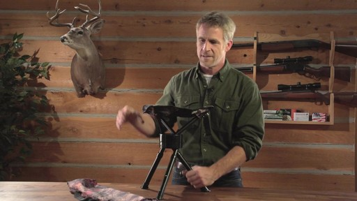 Guide Gear Swivel Tripod Hunting Stool - image 5 from the video