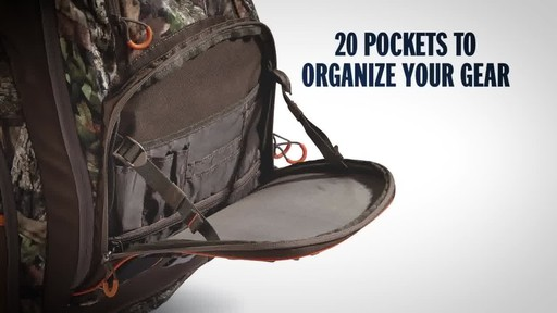 Bolderton 2200 Hunting Pack, Mossy Oak Break Up Country - image 3 from the video