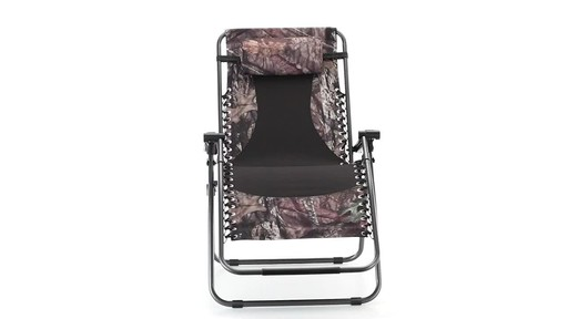 Guide Gear Oversized Mossy Oak Break-Up COUNTRY Zero-Gravity Chair 500 lb. 360 View - image 9 from the video