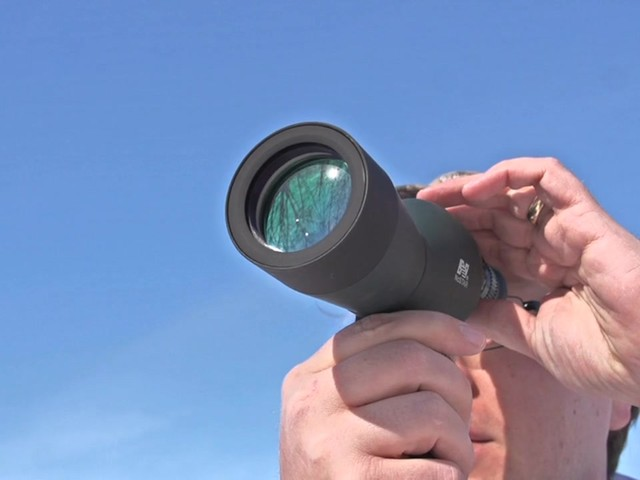 NcSTAR® 15 - 40x50 mm Zoom Compact Spotting Scope - image 3 from the video