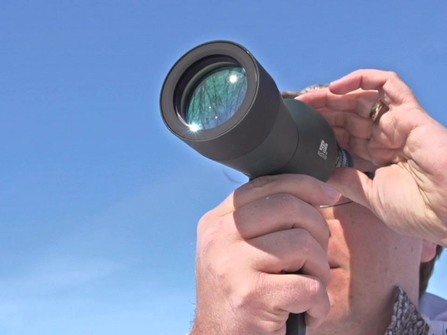 NcSTAR® 15 - 40x50 mm Zoom Compact Spotting Scope - image 4 from the video