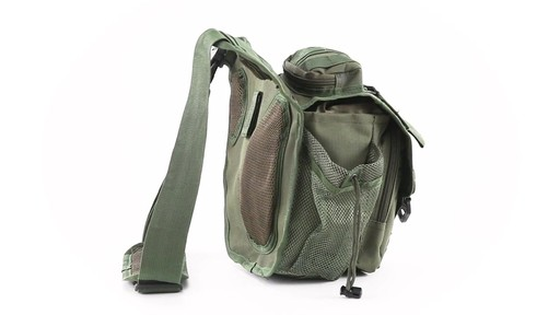 Cactus Jack Sidewinder Sling Bag 360 View - image 5 from the video