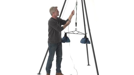 Guide Gear Deluxe Deer Hoist Gambrel Swivel Hitch Lift System - image 3 from the video