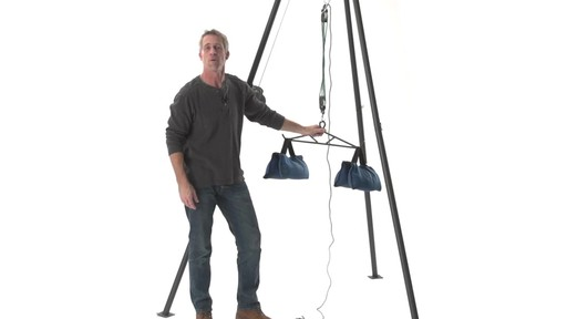Guide Gear Deluxe Deer Hoist Gambrel Swivel Hitch Lift System - image 4 from the video