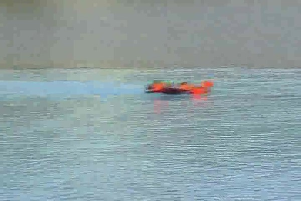 Radio - controlled Hydro - fly Boat / Plane - image 6 from the video