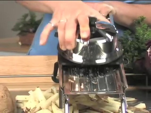 Pro Series Mandoline - image 4 from the video