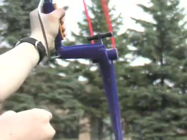 Surefire™ Compound Bow X2™ with 3 Arrows and Quiver  - image 9 from the video