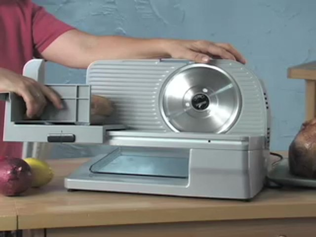 Edgecraft® 610 Food Slicer (refurbished) - image 7 from the video