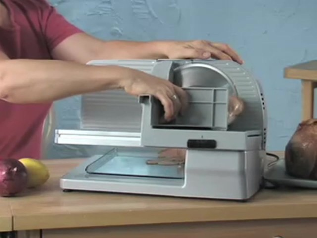 Edgecraft® 610 Food Slicer (refurbished) - image 8 from the video