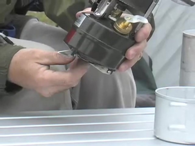 New U.S. Military M1950 Gas Stove - image 4 from the video