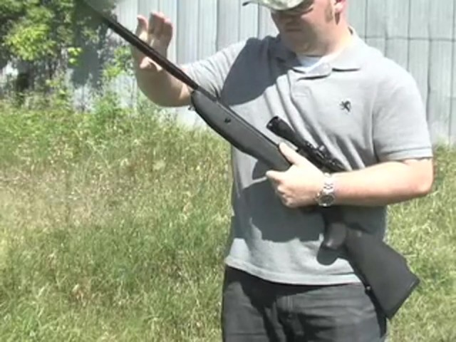 Venom Nitro - Piston™ .177 - cal. Air Rifle with 4x32 mm Scope - image 3 from the video