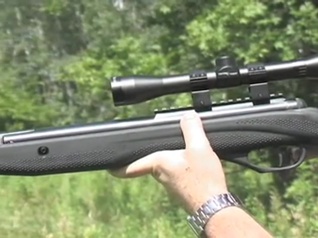 Venom Nitro - Piston™ .177 - cal. Air Rifle with 4x32 mm Scope - image 8 from the video