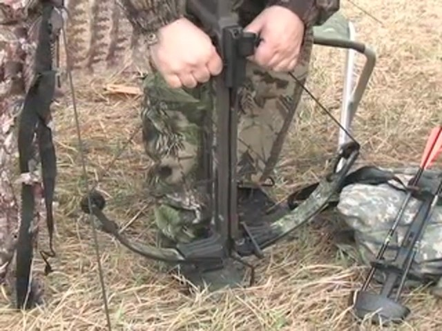 Horton® 150 - lb. Summit Crossbow Realtree® Hardwoods HD® - image 6 from the video