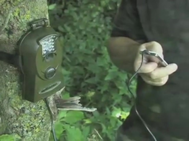 Bresser® 5MP Mini IR Game Camera - image 10 from the video