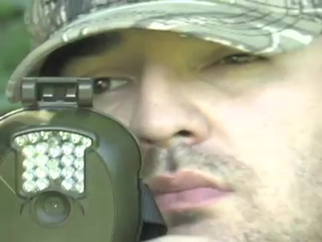 Bresser® 5MP Mini IR Game Camera - image 3 from the video