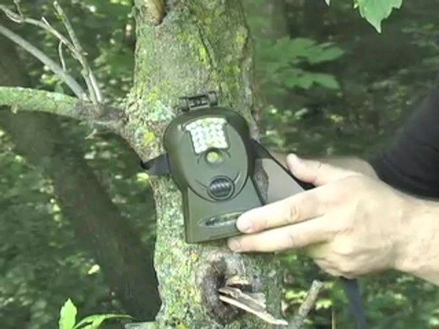 Bresser® 5MP Mini IR Game Camera - image 4 from the video