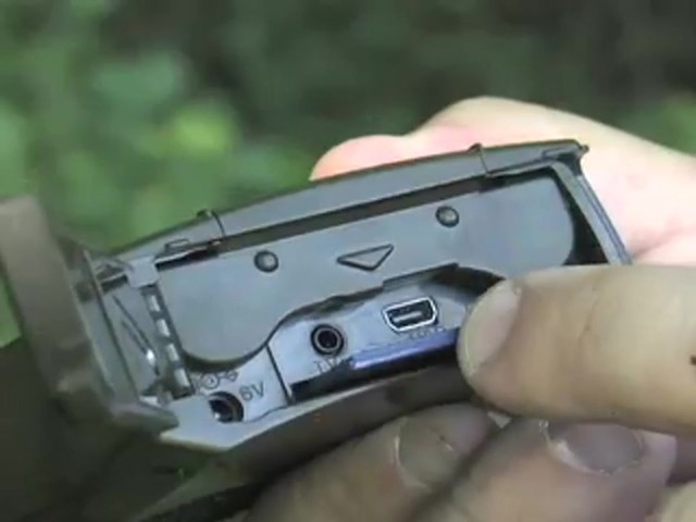 Bresser® 5MP Mini IR Game Camera - image 7 from the video