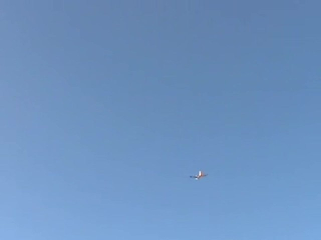 Radio - controlled AirJet Hi - flyer Plane - image 2 from the video