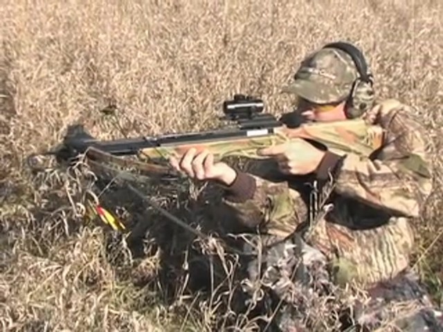 United® 175 - lb. Compound Crossbow Kit - image 4 from the video