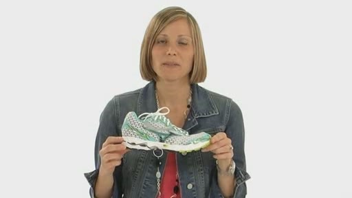 Mizuno Wave Precision 11 - image 10 from the video