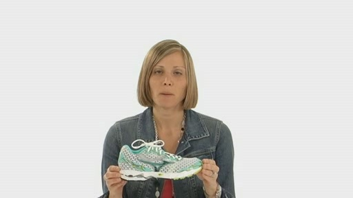 Mizuno Wave Precision 11 - image 3 from the video