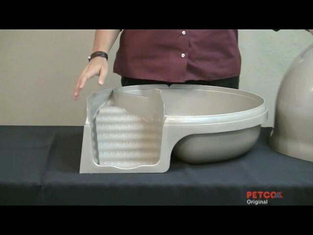 Clean Step Litter Box by Booda - image 9 from the video