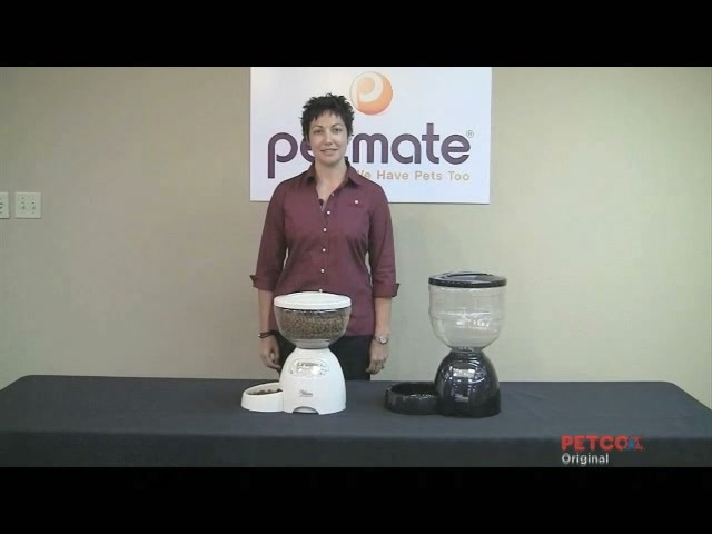 Petmate Le Bistro Portion Control Automatic Feeder - image 2 from the video