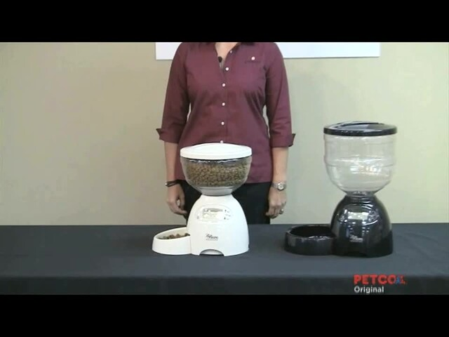 Petmate Le Bistro Portion Control Automatic Feeder - image 3 from the video