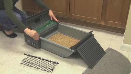 SmartScoop Self-Scooping Cat Litter Box - image 7 from the video